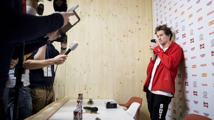 Iouri Podlatchikov während der Pressekonferenz