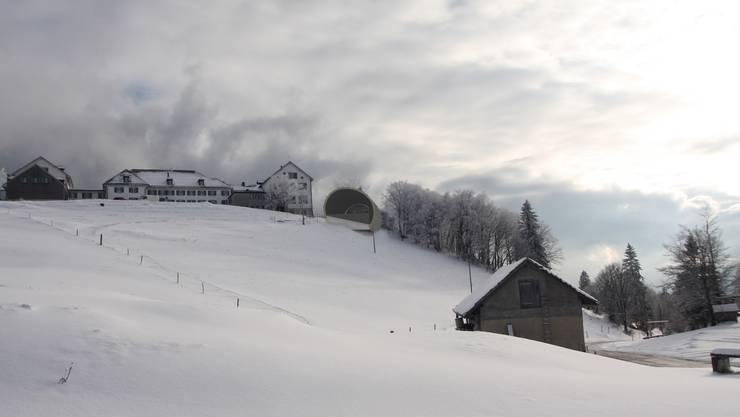 Die Bergstation der geplanten Gondelbahn neben dem Kurhaus Weissenstein in einer Modellaufnahme