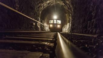 Der Weissensteintunnel ist 109 Jahre alt und baufällig. Im Bild der Nostalgiewagen des schweizweit einzigartigen Vereins Tunnelkino.