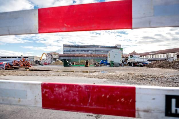 Blick auf die Bauarbeiten auf dem Stadion-Areal aus anderer Perspektive. (November 2015)