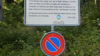 Hinweistafel der SWG auf die Quellfassungen.