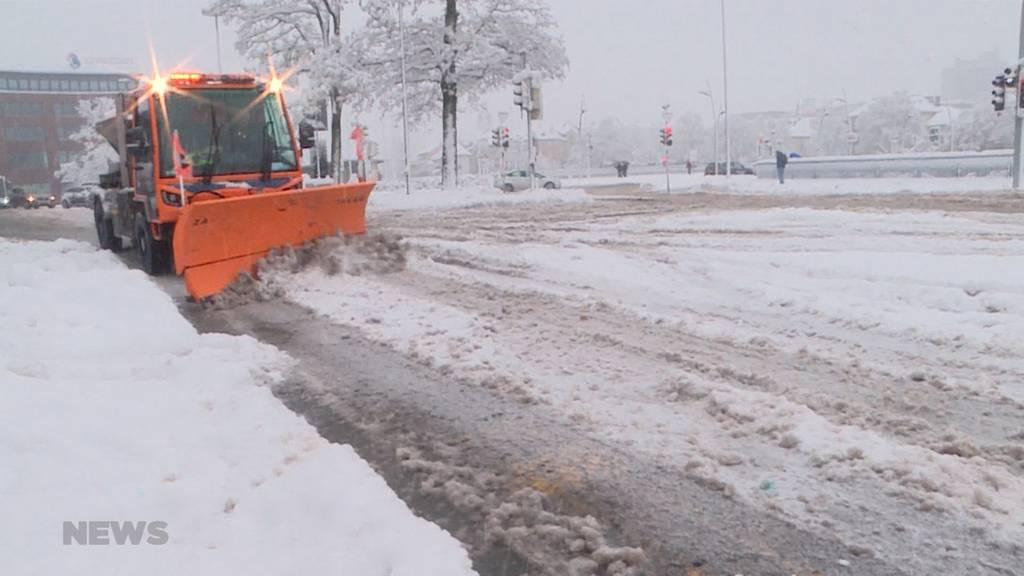 Schneechaos Kanton Solothurn: Unendliche Schnee-Räumung für Werkhof-Mitarbeiter