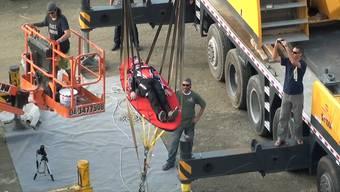 Ungeheuerlich: Dieses Katapult spickt zwei Männer 300 Meter in die Höhe.