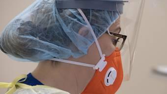 Novartis testet, ob ein bisheriges Medikament gegen Covid-19-Symptome eingesetzt werden kann. (Symbolbild)
