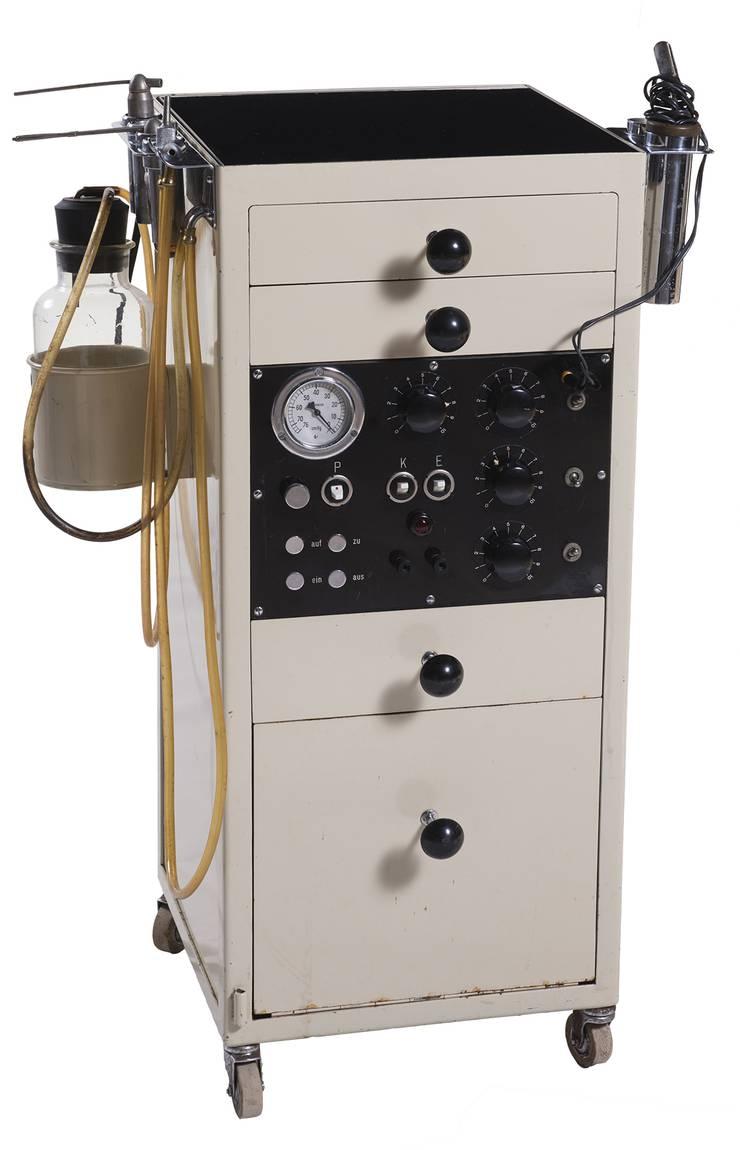 Max Tschampers Ausstellungsstück: ein Apparate-Rollkorpus.
