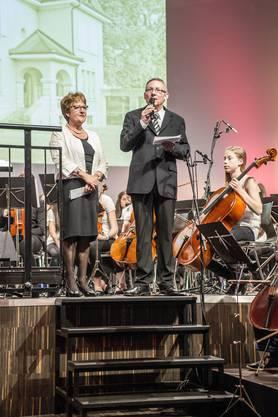 Begrüssung von der Musikschulleitung - Ursula Peterhans und Jürg Moser
