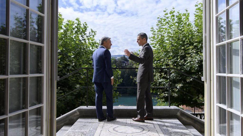Der Schweizer Aussenminister Ignazio Cassis (r.) und sein kanadischer Amtskollege François-Philippe Champagne am Montag in Bern.