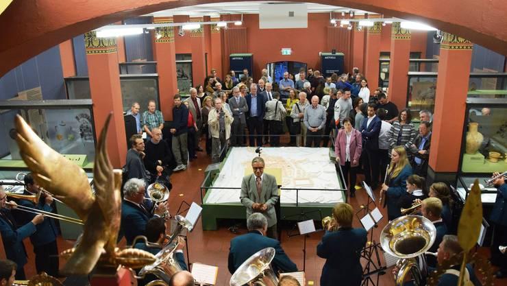 Die Vernissage im Vindonissa-Museum findet im Beisein von vielen Gästen und umrahmt von Musik statt