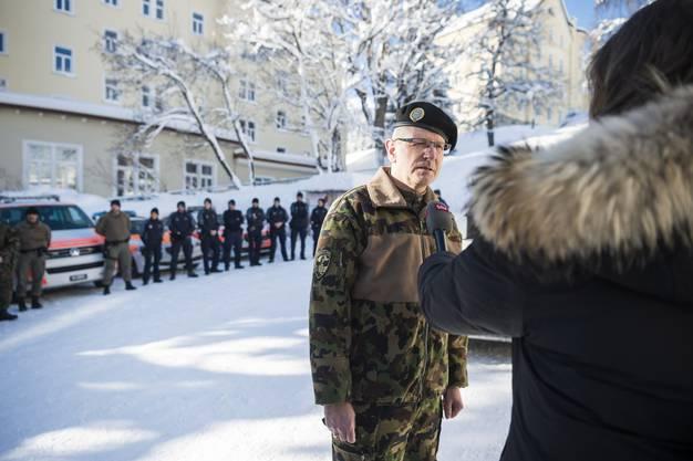 Divisonaer Jean-Marc Halter gibt ein Interview nach einer Medienkonferenz der Kantonspolizei Graubuenden und der Schweizer Armee zur Sicherheit am World Economic Forum WEF