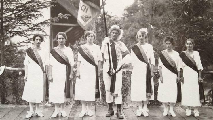 Fahnenweihe 1914: In der Gründungszeit des Vereins stand die körperliche Ertüchtigung im Vordergrund.zvg
