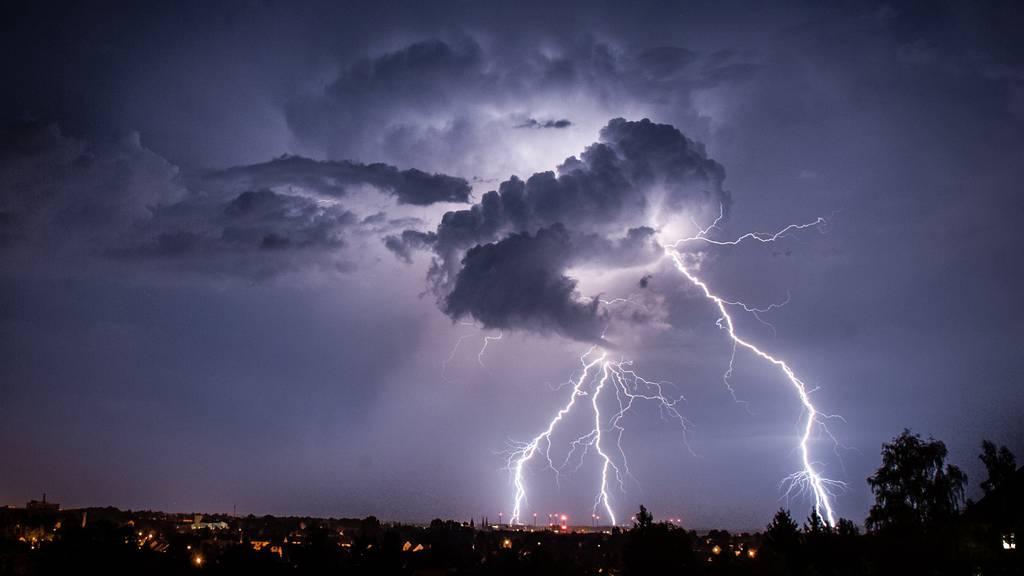 Wetterexperte warnt: «Erneut heftige Gewitter am Wochenende»