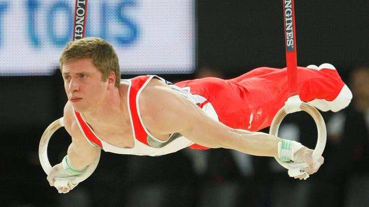Ringspezialist Nils Haller lässt die Muskeln spielen.