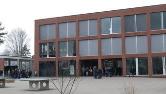 Die 5. und die 6. Primarklasse werden ab dem Schuljahr 2014/2015 in Frick auf dem Oberstufenareal unterrichtet. AZ (Archiv)