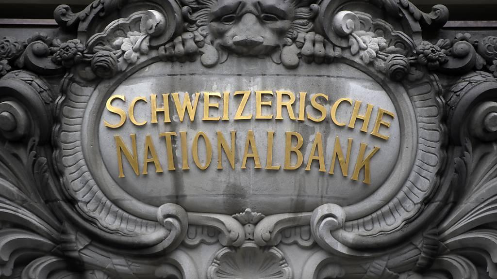 SNB führt expansive Geldpolitik fort und erwartet tiefe Rezession