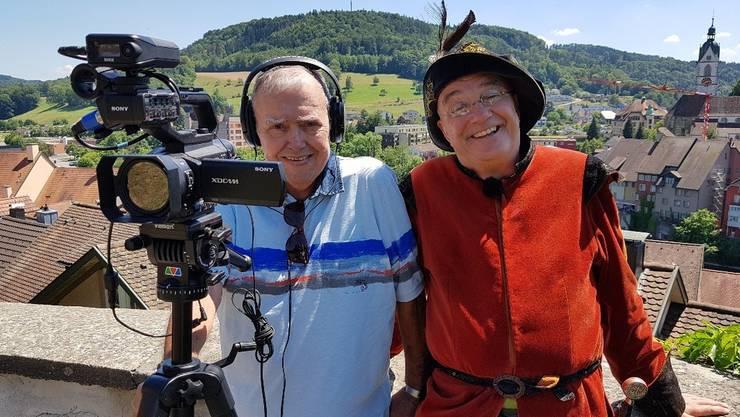 Filmemacher Gusty Hufschmid (l.) und Graf Hans (Uwe Mospak) freuen sich auf die Premieren.