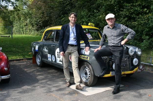 Lukas Engelberger und Baschi Dürr mit ihrem Boliden auf Pump.