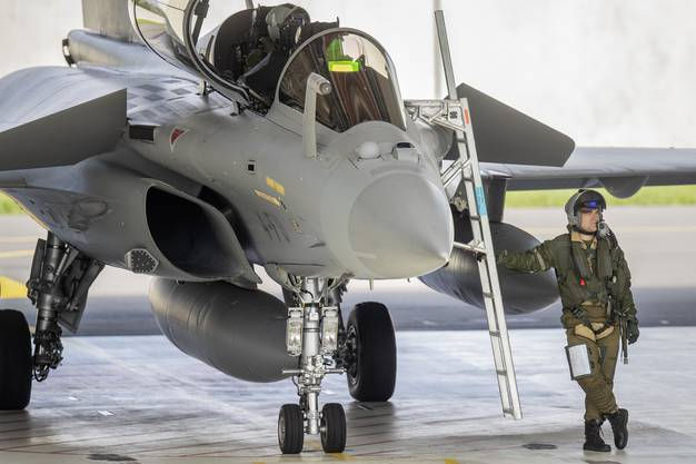 Die Schweizer Armee testet in Payerne den französischen Kampfjet Rafale.