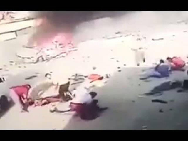 Autobombe explodiert – dann passiert Seltsames