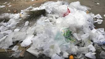 Ein Entsorgungssystem speziell für Kunststoffe muss nicht ökologischer sein, als diese zu verbrennen (Symbolbild).