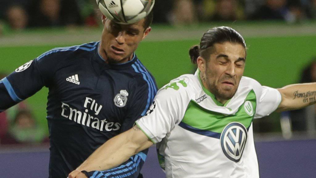 Dagegengehalten: Ricardo Rodriguez im Luftduell mit Reals Superstar Cristiano Ronaldo