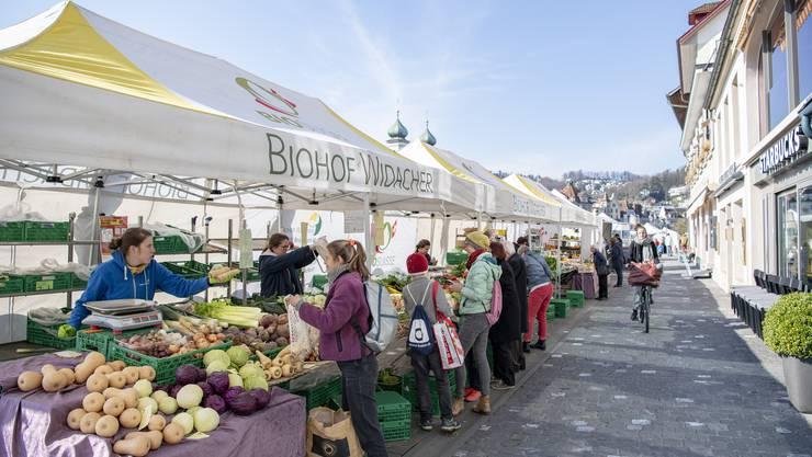 Märkte wie hier in Luzern dürfen seit anfangs dieser Woche nicht mehr stattfinden. (Archivbild)