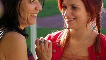 «Wir sind wie beste Freundinnen»: Celina Feri (r.) und Mutter Yvonne Feri