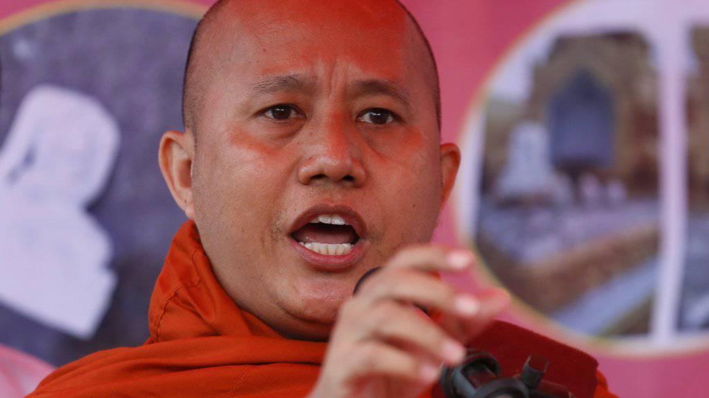"""Das US-Nachrichtenmagazin """"Time"""" nannte den Mönch Wirathu schon 2013 das """"Gesicht des buddhistischen Terrors"""".(Archivbild)"""