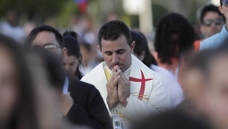 Hunderte gläubige Katholiken nahmen an einer Messe zum Auftakt des Weltjugendtages in Panama-Stadt teil.