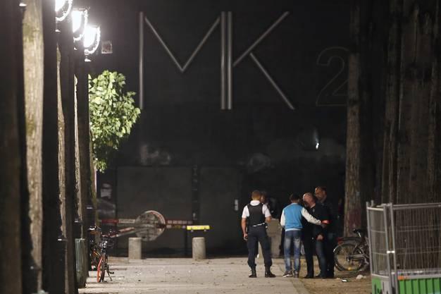 In Paris hat ein Mann mehrere Personen mit einem Messer und eine Metallstange angegriffen. Sieben Menschen wurden bei der Attacke zum Teil sehr schwer verletzt.