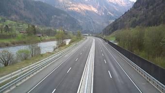 Ungewöhnliches Bild an Ostern: Gähnende Leere auf Gotthard-Autobahn