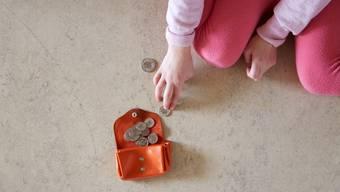 Kinder in Armut: Caritas Schweiz fordert vom Bund eine nationale Strategie gegen Kinderarmut. (Archivbild)
