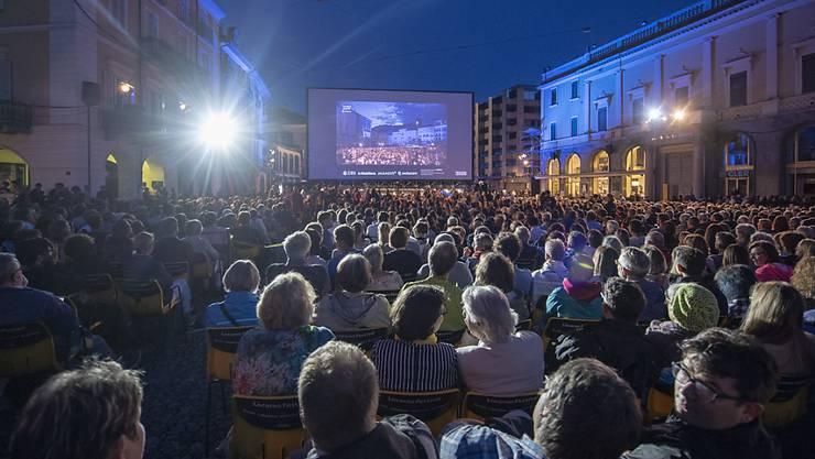 Jeden Abend strömen in Locarno Tausende auf die Piazza Grande.