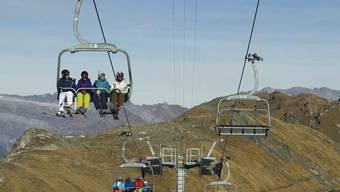 In den Schweizer Skigebieten sieht man grün