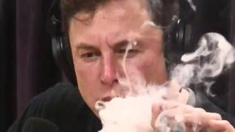 Marihuana-Joint und Whiskey: Tech-Unternehmer Elon Musk sorgte im vergangenen September in einem Live-Video-Podcast für viel Aufsehen.