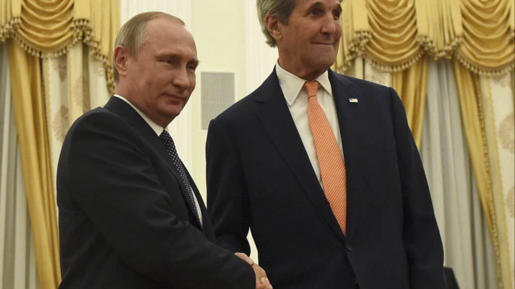 Der russische Präsident Wladimir Putin und US-Aussenminister John Kerry trafen am Donnerstag Abend zu einem Gespräch über den Syrien-Konflikt zusammen. Kerry strebt eine engere Zusammenarbeit im Kampf gegen islamische Extremisten in Syrien an.