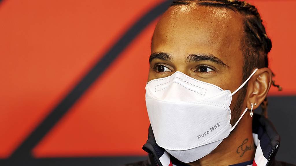 Hamilton knapp vor Red-Bull-Duo