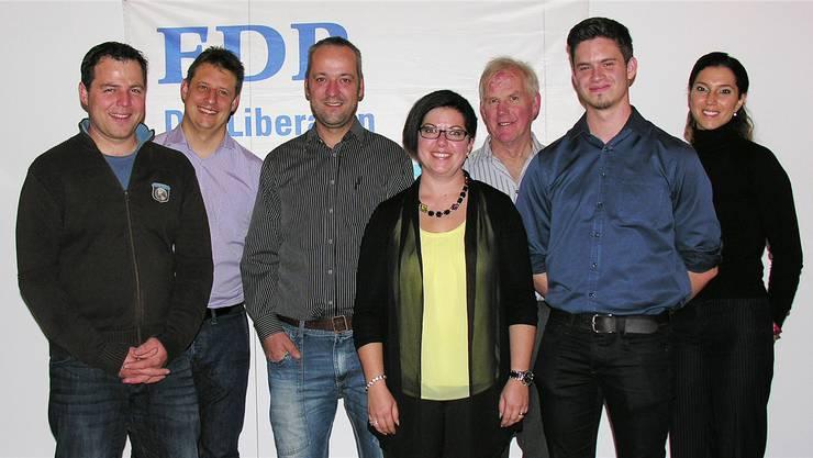 Sie treten für die FDP zur Gemeinderatswahl an: Christian Erzer (links), Jan Flückiger, Peter Gehrig, Stefanie Humm, Daniel Murer, Fabian Siegenthaler und Raffaela Siegenthaler.