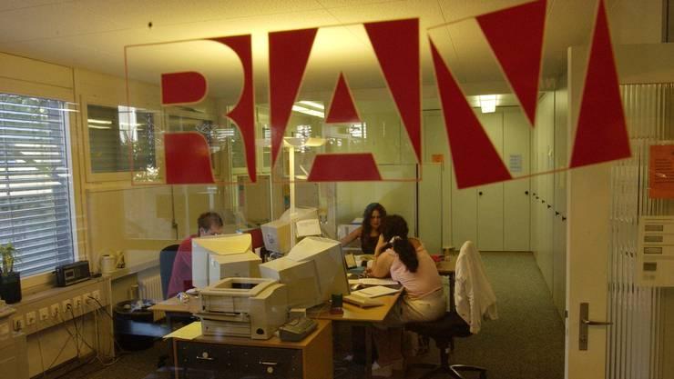 Bei den Regionalen Arbeitsvermittlungszentren (RAV) waren Ende März 19'234 Personen als arbeitslos gemeldet, 919 weniger als Ende Februar.