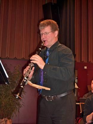 Ein weiterer Könner auf der Klarinette während seines Solovortrages am Konzert des Klarinettenchor Wettingen