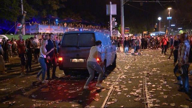 Brutale Raver an Street Parade
