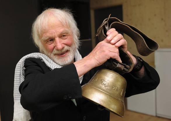 Pfarrer Sieber läutet ein Glocke: Es ist das Signal an ältere Autofahrer, es ihm gleichzutun und der Fahrausweis abzugeben.