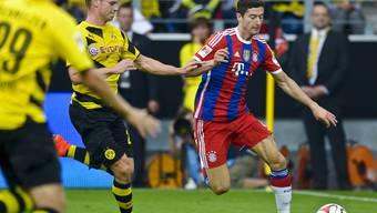 Robert Lewandowski (rechts) im Dress der Bayern gegen seinen ehemaligen Klub Borussia Dortmund.
