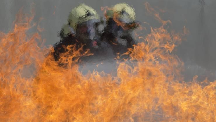 Der Brand an der Bertastrasse in Wiedikon vom vergangenen Dienstag forderte ein Todesopfer. (Symbolbild)