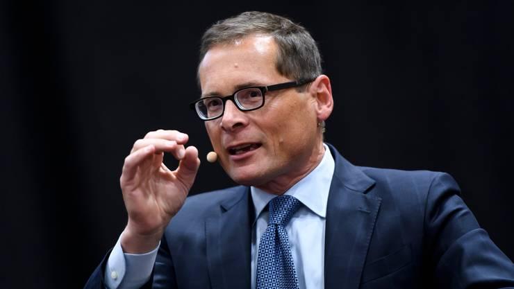 Verbringt seine Zeit lieber auf öffentlichen Podien als im Bundesparlament: SVP-Nationalrat und Weltwoche-Verleger Roger Köppel.