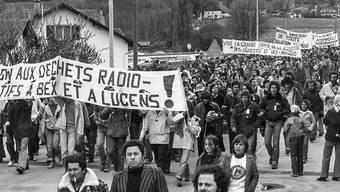 Atomkraftwerkgegner bei der Anti-AKW-Demonstration am Pfingstmontag des Jahres 1978 in Lucens. (KEYSTONE/Str)