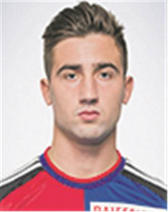 In Basel war der Slowene nur ein Chancentod mit dem frechen Mundwerk. Mit 16 Toren in 17 Spielen für Olimpija Ljubljana wechselte Sporar mit ordentlich Vorschusslorbeeren nach Basel. Doch dort stolperte er in 26 Spielen nur einen einzigen Ball ins Tor. Weil es anschliessend auch in Bielefeld nicht besser lief, wechselte er vor genau einem Jahr in die Slowakei. Nachdem Sporar schon im Frühjahr in der Rückrunde sechs Treffer für Slovan Bratislava schoss, startete er in der laufenden Saison so richtig durch. 20 Tore bei 22 Einsätzen hat der Slowene bislang erzielt. Bratislava steht dank Top-Torschütze Sporar mit acht Punkten Vorsprung ganz oben in der Tabelle der slowakischen Liga.