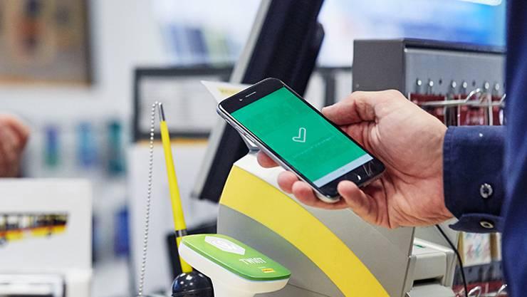 Das elektronische Portemonnaie hält auf den Gemeindekanzleien Einzug: Obermumpf hat es bereits eingeführt, Oeschgen und Laufenburg folgen.