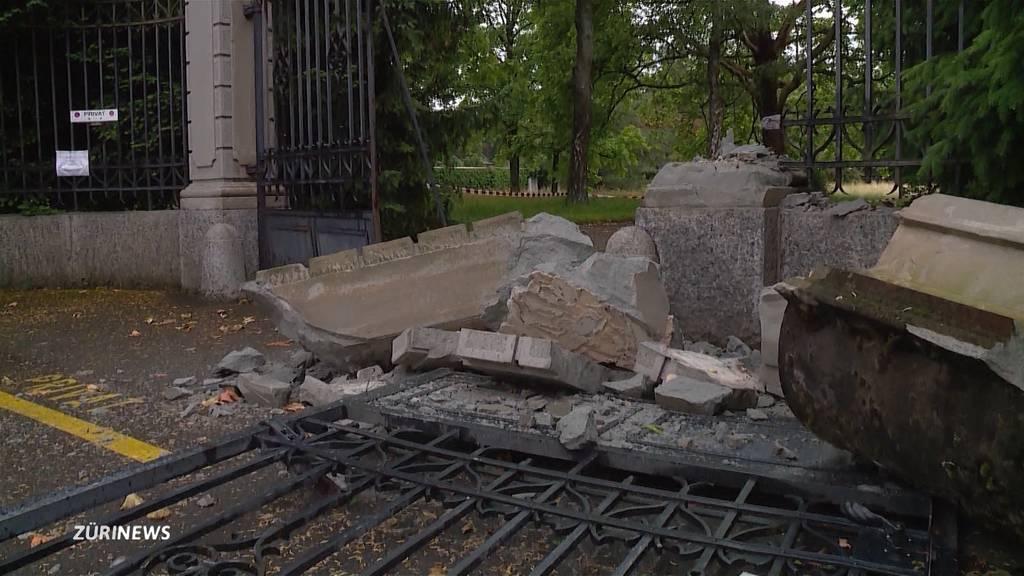 Irrfahrer kracht durch Barriere beim Friedhof Sihlfeld