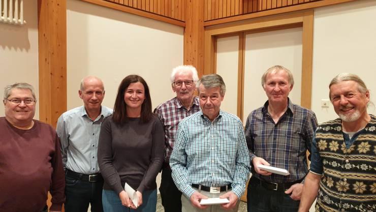 Bei der Ehrung erhielten die ASS-Mitglieder GVG-Gutscheine (Foto: Mike Brotschi)