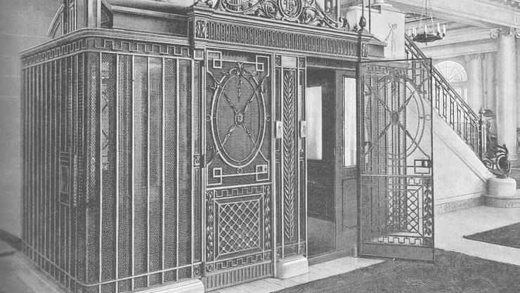 Stilvoller Lift aus der WAGI Schlieren um 1920 in einem Hotel in Bern. © Archiv WAGI-Museum
